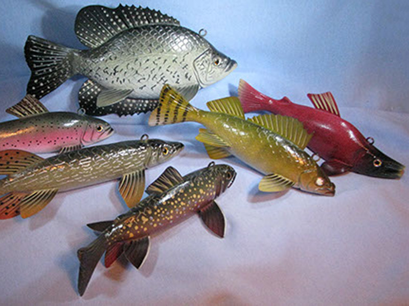 19 carved fish